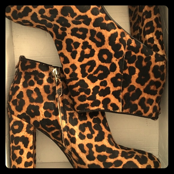 9993ea38d38fee Sam Edelman Cambell Leopard Ankle Booties 10.5M